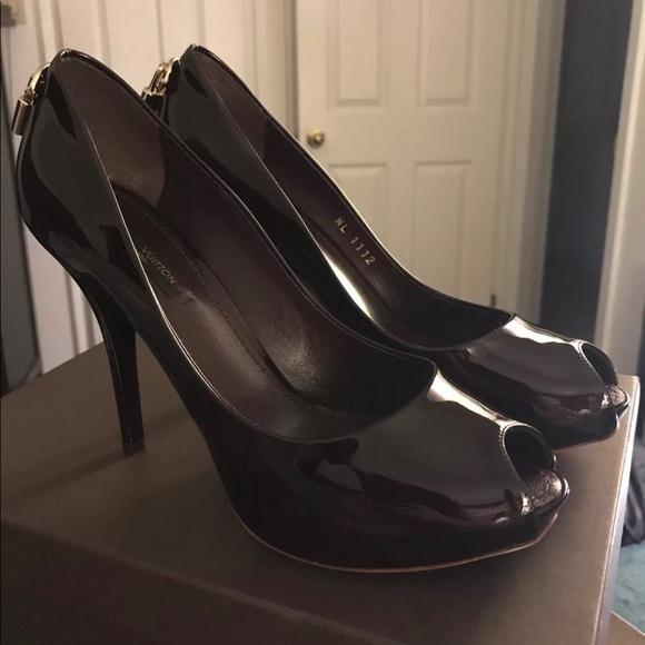 6e7e2324714 Louis Vuitton Shoes - Authentic Louis Vuitton Oh Really pumps